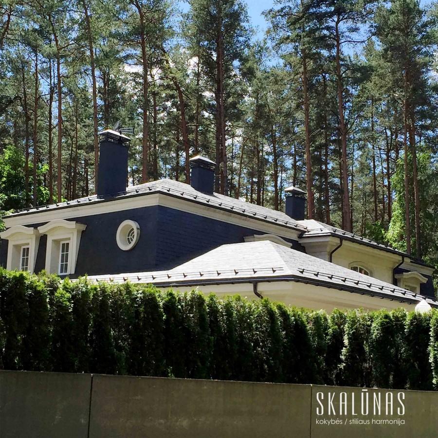 913 Stogas, natūralus akmuo, skalūnas, 40x25cm, Vilnius 2013